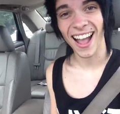Perfection Alex Ramos his smile is die for like just Mmm!