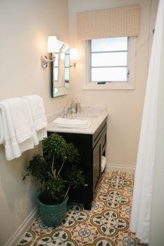 Maximizing space in a small bathroom. #DreamBuilders