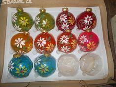 BAŇKY STARÉ -RŮZNÉ,SNĚHULÁCI,KOULE atd.atd. - obrázek číslo 14 Christmas Bulbs, Holiday Decor, Home Decor, Decoration Home, Christmas Light Bulbs, Room Decor, Interior Decorating