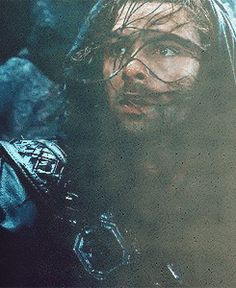 Kili's face when he gets separated from Fili on the mountain