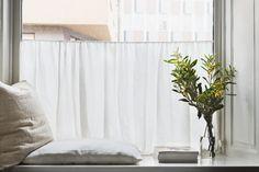 kapellgränd fantastic frank window pillows flowers curtain view therese_winberg_photography_stylist_josefin_haag