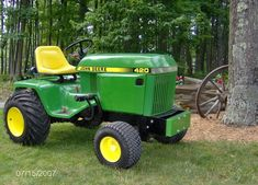 John Deere 420 Garden Tractor | Here's our '85 420, 1355 hours on the clock as of last weekend. It has ...