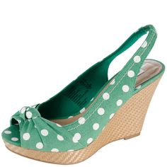 acabe49e22cd Get into the  emerald trend with these gorgeous wedges! Pretty Shoes