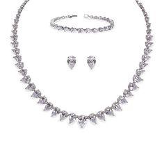 Aye Do Ltd - Manhattan Wedding Jewellery Set (ic), £190.00 (http://www.ayedoweddings.co.uk/manhattan-wedding-jewellery-set-ic/)