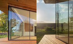 Oko vkrajině jemalý zahradní domek sloužící jako pokoj pro hosty – DesignMag.cz Line Design, Room, Furniture, Home Decor, Houses, Bedroom, Decoration Home, Room Decor, Rooms