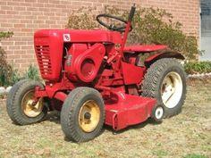 Garden Tractors Discussion Board - FOUND: Wheel Horse Show raffle tractor Yard Tractors, Small Tractors, Wheel Horse Tractor, Work Trailer, Tractor Photos, Classic Tractor, Landscape Materials, Antique Tractors, Case Ih