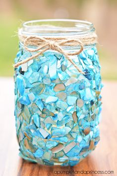 Beach Inspired Mason Jar Lantern Craft. I really love this and it would be easy to make!