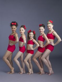 When I did the quiz which dance mom dancer are you? I got Mackenzie Ziegler