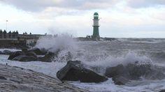 """Tief """"Axel"""" fegt über Norddeutschland: Ostseeküste bereitet sich auf schwerste Sturmflut seit 10 Jahren vor"""