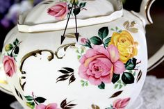 Sadler Cube Teapot, Pink & Yellow, Cabbage Roses Motif, Sadler T – The Vintage Teacup Tea Pot Set, Pot Sets, Cabbage Roses, Old World Charm, Pink Yellow, Teacup, 1930s, Cube, Vintage