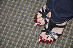 French Pedicure, Exotic Nails, Birkenstock Mayari, Sandals, Shoes, Fashion, Moda, Shoes Sandals, Zapatos