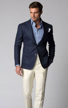Business casual combo inspiration with cream trousers navy blazer light blue shirt white linen pocket square - Herren- und Damenmode - Kleidung Mens Fashion Suits, Blazer Fashion, Fashion Outfits, Mens Suits, Business Casual Men, Men Casual, Casual Suit, Casual Styles, Dress Casual