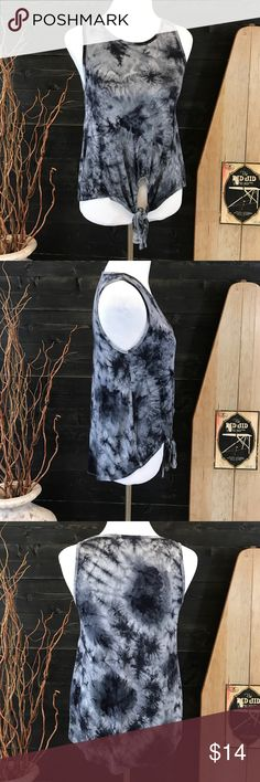 Tie Dye Tie Waist Top Tie Waist - High Low Style - Gray and Black Tue Dye Print - Excellent Used Condition - Offers Welcomed Ginger G Tops