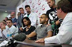 Angel Colon durante la rueda de prensa con los médicos que le salvaron la vida. / AFP - Proporcionado por Clarín