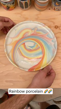 Ceramic Pottery, Pottery Art, Ceramic Art, Pottery Painting Designs, Paint Designs, Diy Arts And Crafts, Crafts To Do, Diy Clay, Clay Crafts