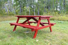 Red pick nick table. DIY.