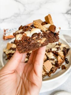 This indulgent dessert is perfect for Summer or just anytime you are craving a classic s'mores. These s'mores brownies are made with healthier ingredients like brown rice flour, organic brown sugar and ground flaxseed meal Vegan Dark Chocolate, Melting Chocolate Chips, Chocolate Recipes, Chocolate Chip Cookies, Gluten Free Baking, Gluten Free Desserts, Vegan Desserts, Vegan Gluten Free, Healthier Desserts