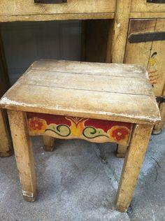 Vintage Painted California Coronado Monterey Bedroom Set - Vanity seat/stool