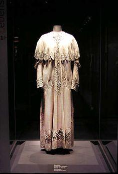 modemuseum 1890   Als Alternative zur körperfeindlichen Mode des Neobarock wurde die ...