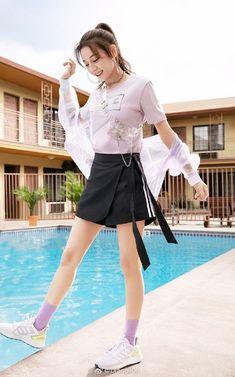 Girl Photo Poses, Girl Photos, Korean Girl Photo, Teen Celebrities, Stylish Girl Images, Chinese Actress, Young Models, Cute Korean, Beautiful Asian Girls