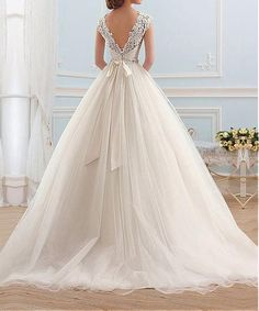 Lovelybride Cinderella Cap Sleeve Bateau Neckline Lace Ball Gown Wedding Dress