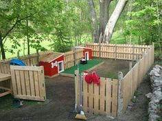 Photo: Backyard dog house and run made of pallets. This would even be a great play area idea for kids too! So many things you can do with pallets!  See on Pinterest here: http://www.pinterest.com/pin/63050463508190973/