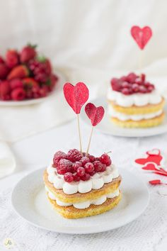 Mini naked cake ai frutti rossi