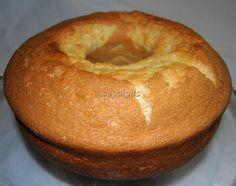 Desde Portugal este sencillo bizcocho Bunt Cakes, Cupcake Cakes, Kitchen Recipes, Cooking Recipes, Muffins, Portuguese Desserts, Pan Dulce, Bread Machine Recipes, Plum Cake