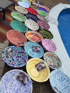 Small Rope Bowls - Clothesline Fabric Basket Coiled - - Small Rope Bowls – Clothesline Fabric Basket Coiled coiled rope basket bowl Small Rope Bowls Clothesline Fabric Basket by Rope Basket, Basket Weaving, Crafts To Sell, Diy And Crafts, Sewing Crafts, Sewing Projects, Fabric Bowls, Rope Crafts, Clothes Line