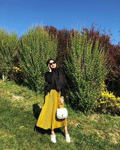 Hijab Fashion Summer, Modern Hijab Fashion, Street Hijab Fashion, Hijab Fashion Inspiration, Muslim Fashion, Modest Fashion, Fashion Outfits, Casual Hijab Outfit, Hijab Dress