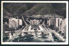 Fotos del Ayer:Plaza Altamira de Caracas   Por Estas Calles