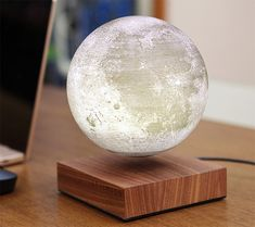 How does the Wireless Charging Levitating Moon Light Works: There will be one touchable button at the bottom of the moon light and one on the docking. They will bring the moon light to a different li. Instruções Origami, Deco Led, Things I Need To Buy, Light Works, Night Lamps, My New Room, Cool Gadgets, White Light, Moonlight