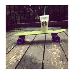 starbuck's coffee on penny Penny Skateboard, Starbucks Coffee, Tableware, Penny Boards, Retro Design, Vibrant Hair Colors, Hacks, Interiors, Juice