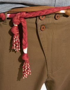 I like the idea of this belt... It's a must for 2012 summer