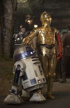C-3PO (with Red Arm) and R2-D2 in Star Wars: The Force Awakens | StarWars.com
