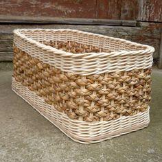 Košík - Krabice S Hyacintem / Zboží Prod - Diy Crafts Newspaper Basket, Newspaper Crafts, Willow Weaving, Basket Weaving, Lined Wicker Baskets, Sisal, Paper Furniture, Wicker Dresser, Clothes Basket