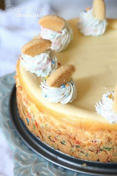 a simple cheesecake with a sprinkle sugar cookie base! Sugar Cookie Cheesecake…a simple cheesecake with a sprinkle sugar cookie base! Sugar Cookie Cheesecake…a simple cheesecake with a sprinkle sugar cookie base! 13 Desserts, Brownie Desserts, Cheesecake Desserts, Cheesecake Bites, Simple Cheesecake Recipe, Cheesecake Decoration, Turtle Cheesecake, Homemade Cheesecake, Classic Cheesecake