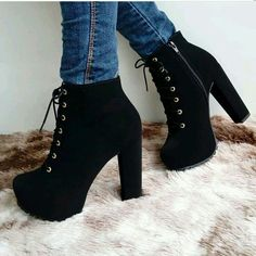 Girls Fashion Clothes, Teen Fashion Outfits, Mode Outfits, Fashion Heels, Fashion Boots, Sneakers Fashion, Cute Shoes Heels, Shoe Boots, Platform Ankle Boots