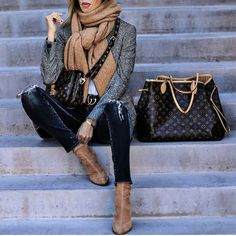 Chic in the #City with #LouisVuitton #beauty #style #chic #glam #haute #couture #design #luxury #lifestyle #prive #moda #instafashion #Instastyle #instabeauty #fierce #instaglam #fashionista #instalike #streetstyle #fashion #photo #ootd #model #blogger #photography #shoes #handbag