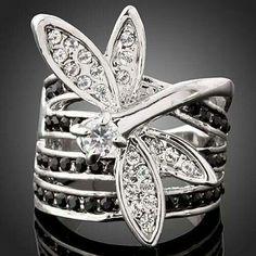 ¡Me encanta este anillo! Es precioso... / I love this ring! Is beautiful...