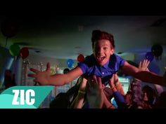 One Direction - Midnight Memories One Direction Cartoons, One Direction Music, One Direction Interviews, One Direction Harry Styles, One Direction Videos, Night Changes, 1d Songs, Midnight Memories, Video Clip
