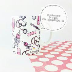 ¿Que ya estamos a mitad de la semana y yo ni me enterado?!!! No sabemos donde habrá ido a parar el martes...  pero todo sea para que el viernes llegue más rápido.   ¡Feliz día!!! Taza para enfermeros aquí  www.vagalumedesigns.com  . . . . . . . . . . #vagalumedesigns #café #canecas #pequenoalmoço #bomdia #goodmorning #buenosdias #coffeeshots #coffeelover #morningcoffee #café #coffeetime #horadelcafe #tazasbonitas #taza #tazas #enfermeria #enfermera #enfermeros #nursing #nurse #enfermagem