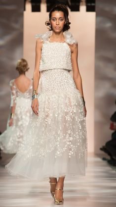 Georges Chakra Haute Couture Spring/Summer 2015 via @AOL_Lifestyle Read more: http://www.aol.com/article/2015/02/02/the-most-beautiful-gowns-from-paris-haute-couture-week/21136040/?a_dgi=aolshare_pinterest#fullscreen