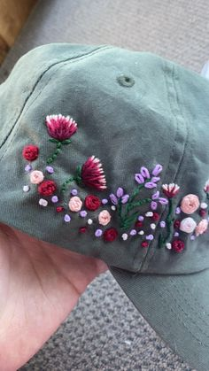 Hand embroidered items selling on etsy now. Vintage floral embroidery design Hat Embroidery, Flower Embroidery Designs, Floral Embroidery, Hand Embroidery Patterns, Embroidery Stitches, Embroidered Hats, Embroidered Flowers, Bone Floral, Bone Bordado