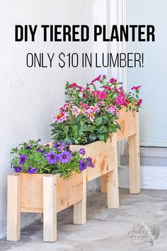 Indoor or Outdoor DIY planter box. This cheap wooden planter is easy to make. Looks perfect on the porch. Can be made with pallet wood too! Free plans and full video tutorial! projects tips woodworking Awesome Woodworking Ideas, Easy Woodworking Projects, Diy Pallet Projects, Woodworking Plans, Woodworking Furniture, Diy Projects With Wood, Woodworking Jointer, Woodworking Organization, Unique Woodworking