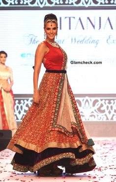 IIJW 2013 Neha Dhupia for Gitanjali Jewels show