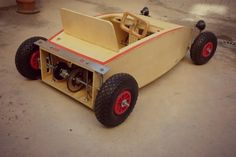 Bildergebnis für wooden hot rod go kart plans with pedals Cnc Projects, Projects For Kids, Woodworking Projects, Wooden Go Kart, Soap Box Cars, Go Kart Plans, Diy Go Kart, Karting, Pedal Cars