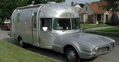 Airstream motorhome on an Oldsmobile Toronado Truck Camper, Mini Camper, Camper Trailers, Tiny Trailers, Camper Van, Minivan, Vintage Airstream, Vintage Travel Trailers, Vintage Campers