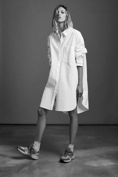 OVERSIZED POPLIN SHIRT   ZARA United States Zara, Camisa Formal, Oversized Shirt, Patch, Simple Outfits, Mannequin, Shirt Blouses, Women's Shirts, Casual Looks