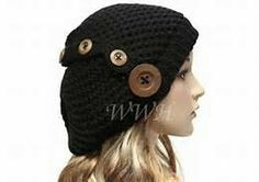 Beenie hat with buttons
